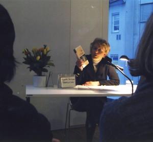 Nessa Altura bei einer Lesung