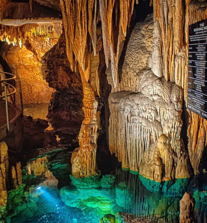Ali Babas Höhle enthielt auch alles mögliche - also so ähnlich wie diese Sammlung. Unsere Zettelwirtschaft hilft!